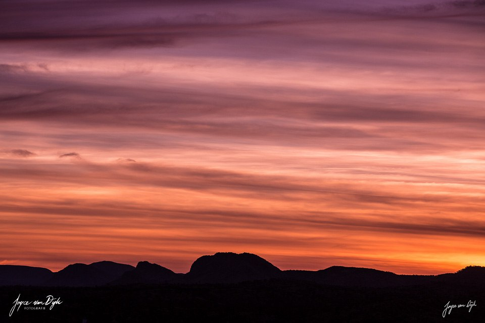 sunset-West-MacDonnell-Ranges-1