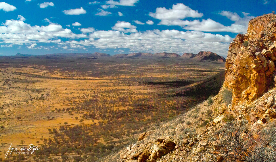 east-McDonnellRanges_AliceSprings
