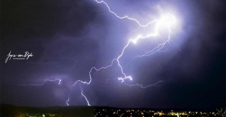 1_Lightning