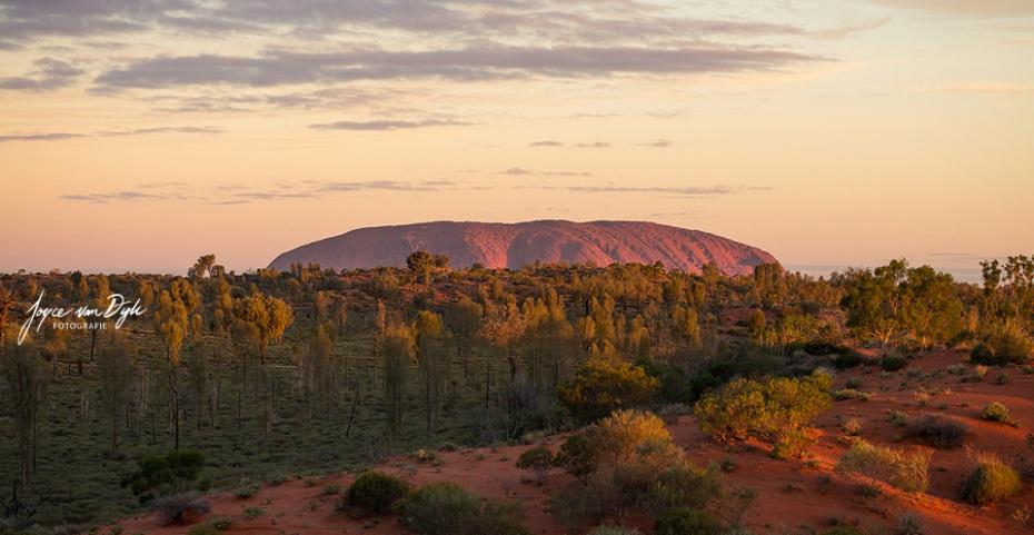 1_Uluru-3