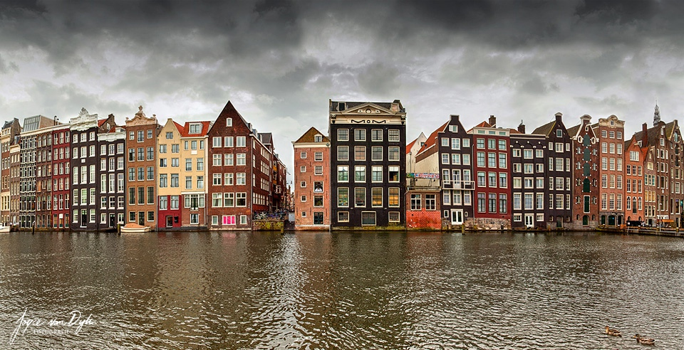 Amsterdam_Canal_houses