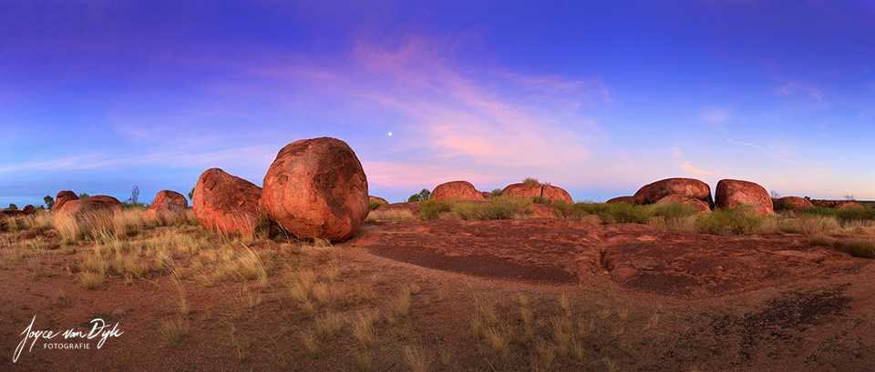 Devils-Marbles-Sunset-Pano